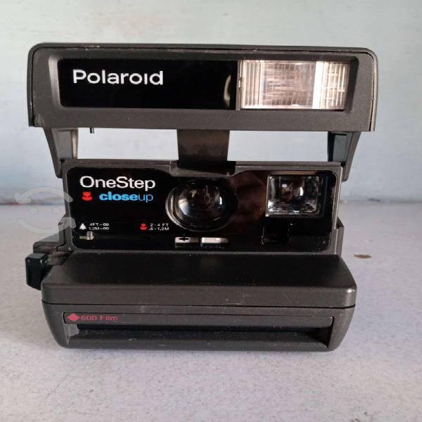 Cámara antigua polaroid instantánea one step
