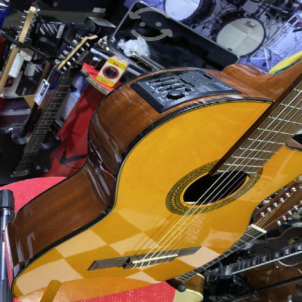 Guitarra Takamine Electroacustica cuerdas Nylon