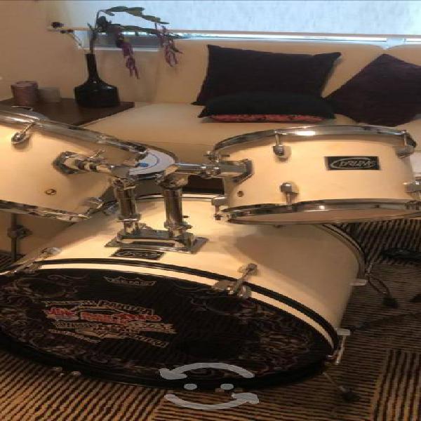 Hermosa batería acústica drums completa