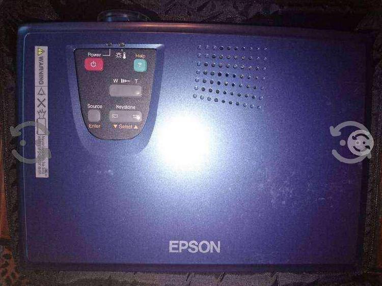 Proyector epson powerlite 30c