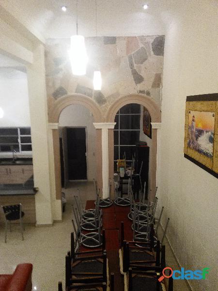 Urge. Vendo Casa Remodelada en Sagrada Familia 1