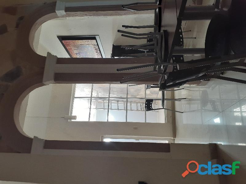 Urge. Vendo Casa Remodelada en Sagrada Familia 3