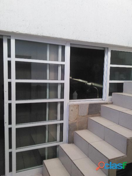 Urge. Vendo Casa Remodelada en Sagrada Familia 8