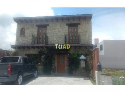 Hermosa casa en venta estilo colonial español