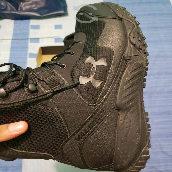 Botas tácticas under armour valsetz talla 8