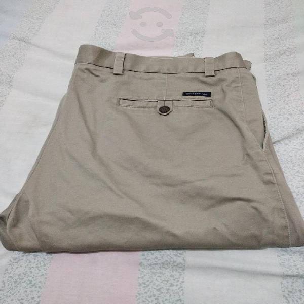 Pantalón dockers de gabardina