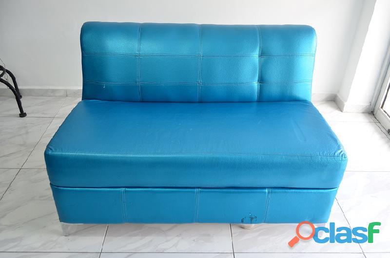 Sillón azul metalico