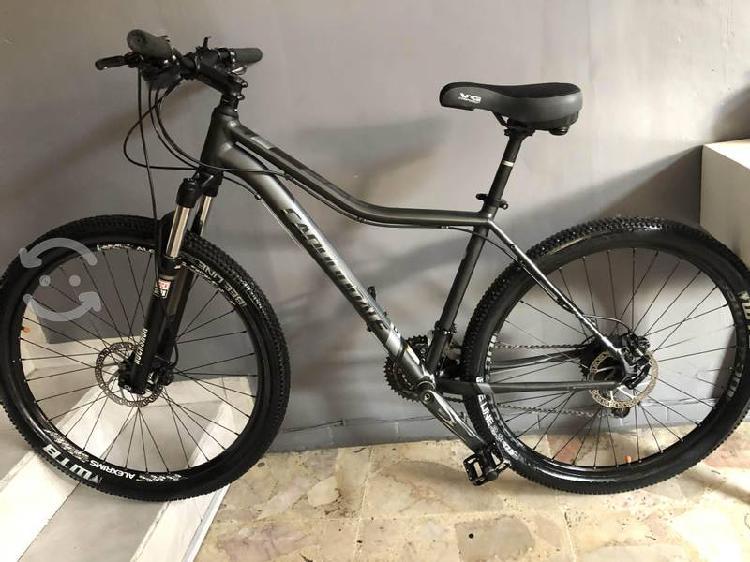 Bicicleta cannondale