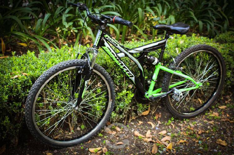 Bicicleta de montaña benotto rush rodada 26