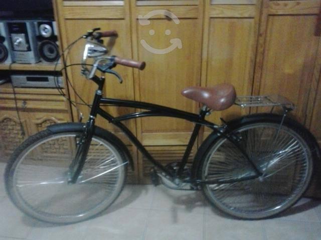 Bicicleta de color negro nueva