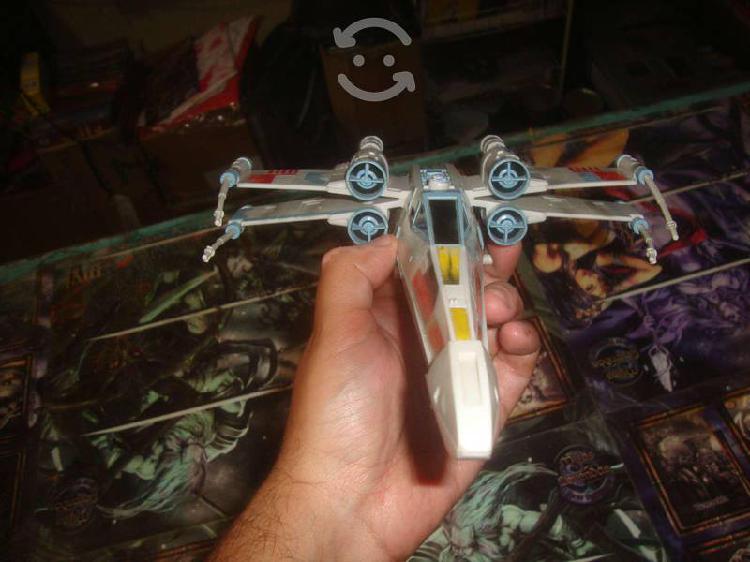X wingg nave de 23 cm de largo , star wars