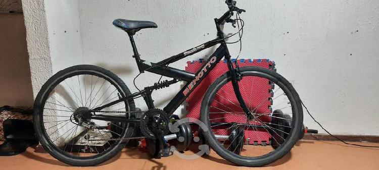 Bicicleta benotto hibrida r26 ideal para uso rudo