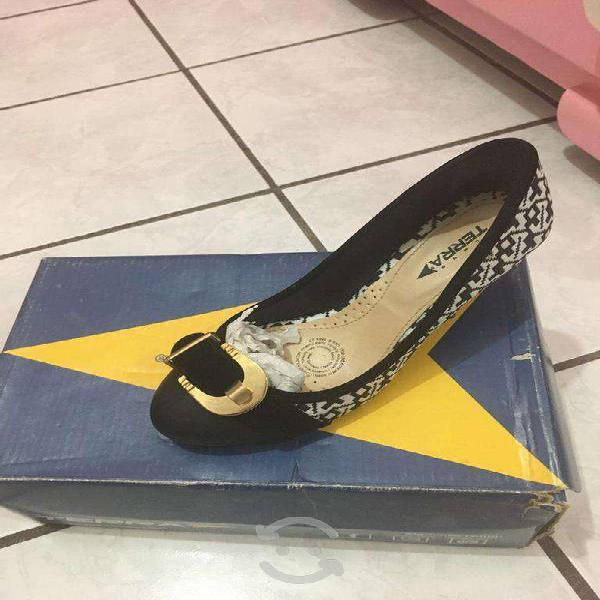 Bonitos zapatos terra