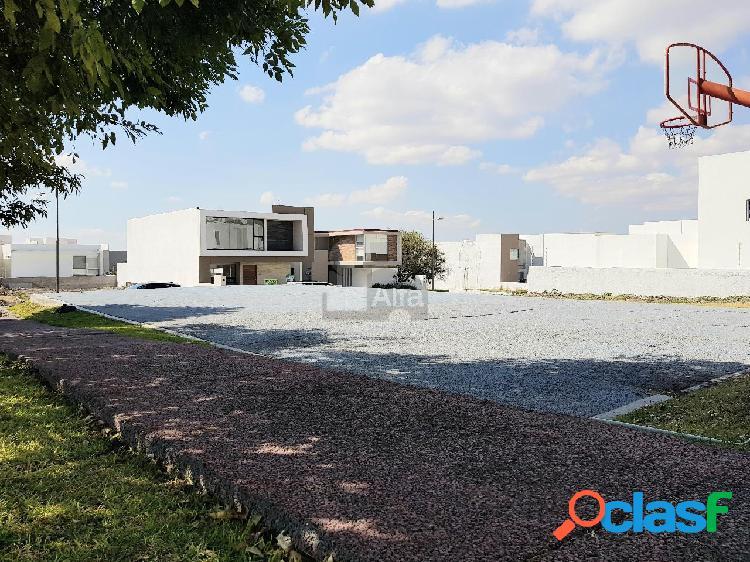Casa nueva en venta en lomas de juriquilla frente a área verde en 1ra sección