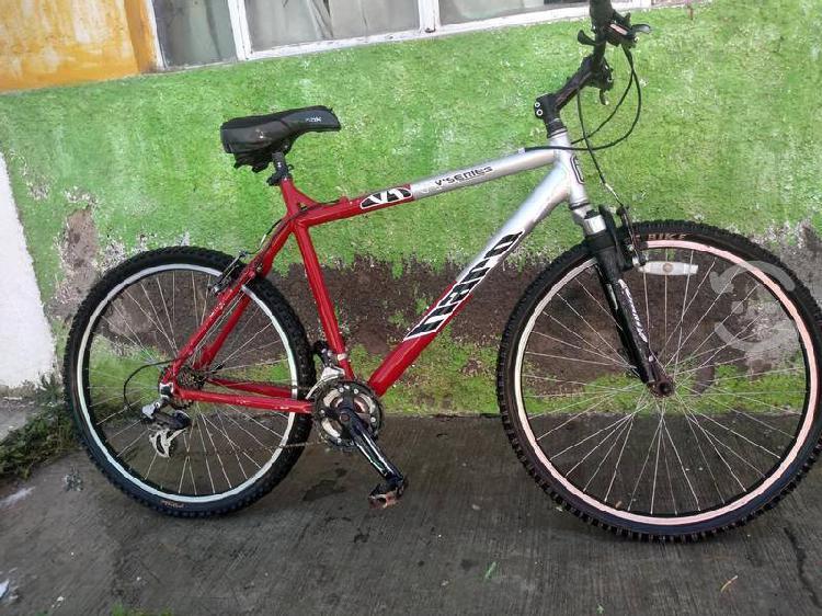 Bicicleta haro original de aluminio r26