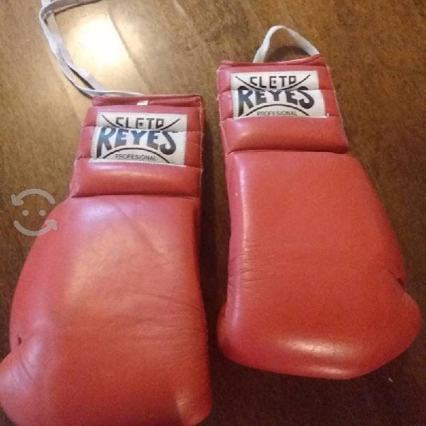 Guantes de box cleto reyes