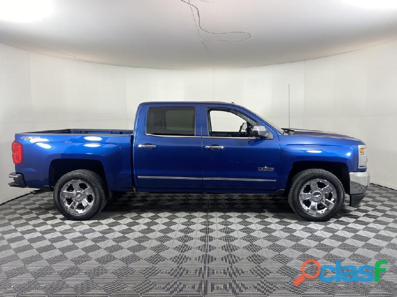 Chevrolet silverado año 2016 azul