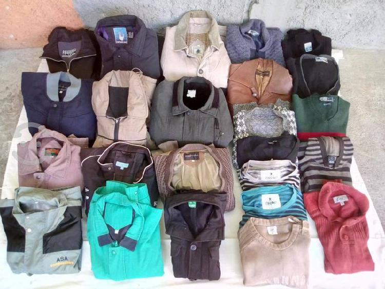 Chamarras, camisas, suéteres, pantalones y tenis