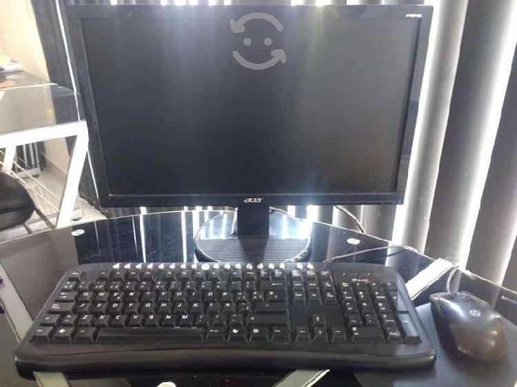 Computadora de escritorio, regalo el regulador