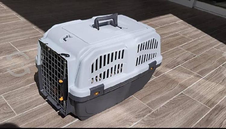 Transportadora para perros y gatos animales