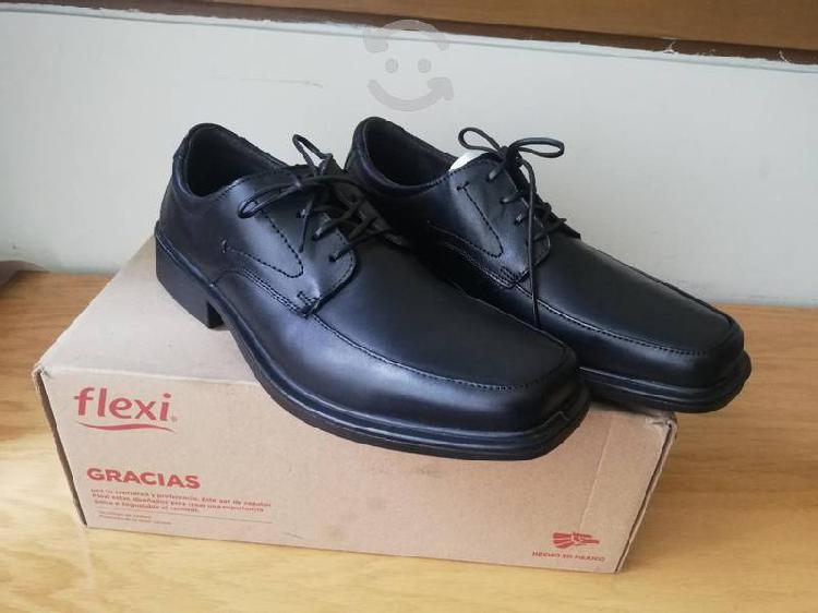 Zapatos de piel flexi nuevos