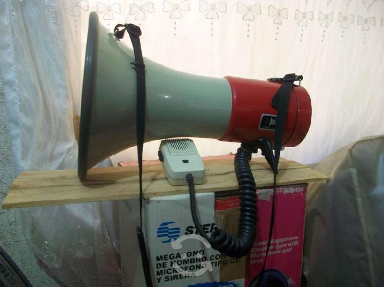 Megáfono de Hombro con micrófono tipo CB y sirena