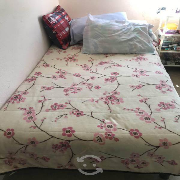 Cama tubular y colchón individual