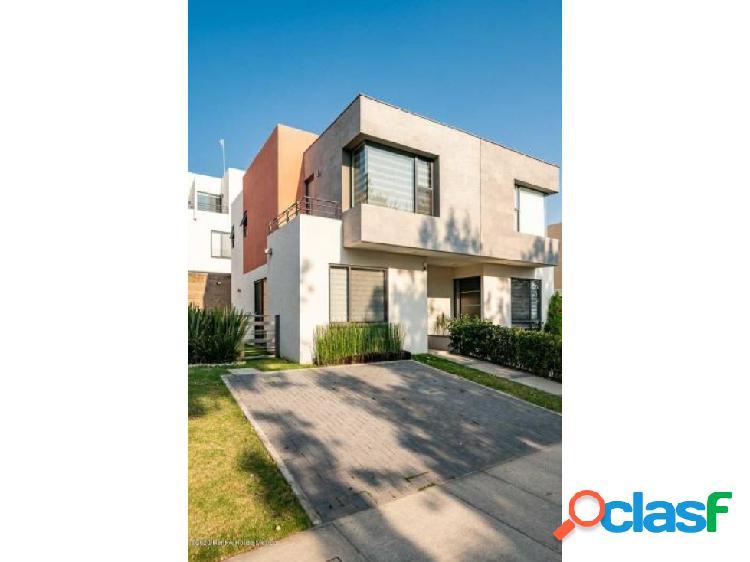 Casa en venta en calimaya colonia villas del campo 202359ig