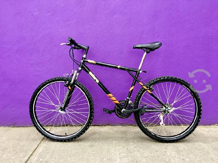 Bicicleta r26 con suspensión delantera