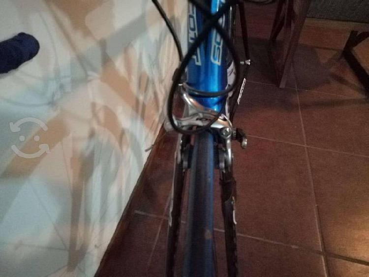 Bicicleta de ruta cr1 scott seminueva