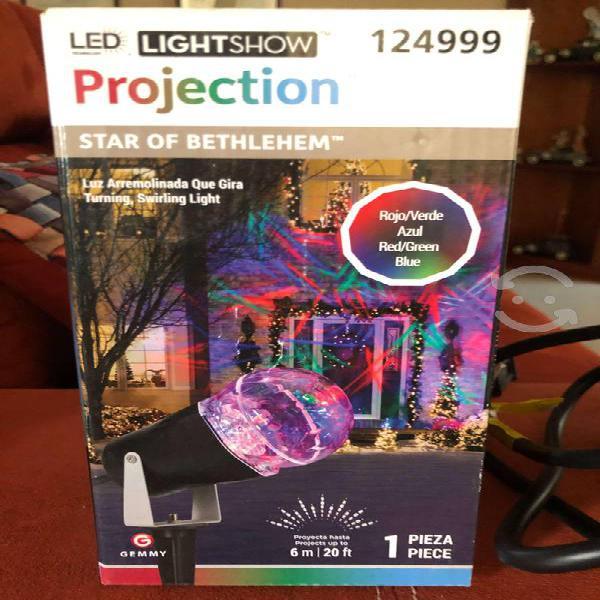 Proyector de luz o luces navideñas para exterior
