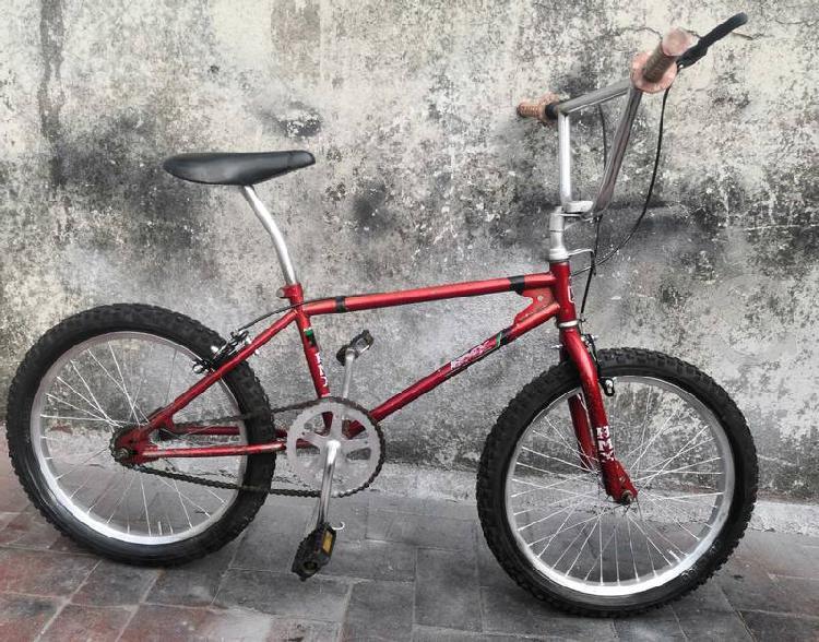 Bicicleta r20 bmx