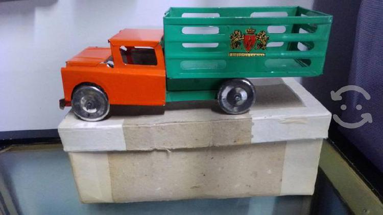 Camión redilas lámina víntage 70s en caja
