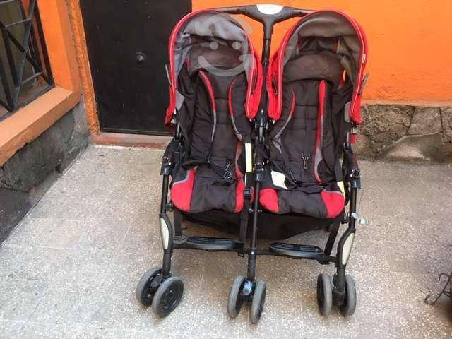 Carriola sillas gemelas marca combi