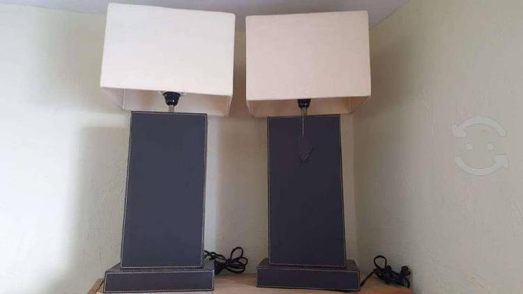 Juego de 2 lamparas de mesa rectangular, base piel