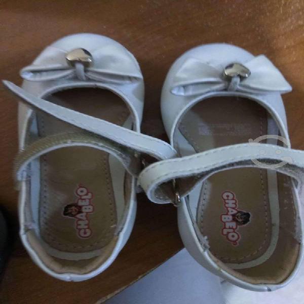 Zapatos bebe nina, chabelo, talla 13.5 minimo uso