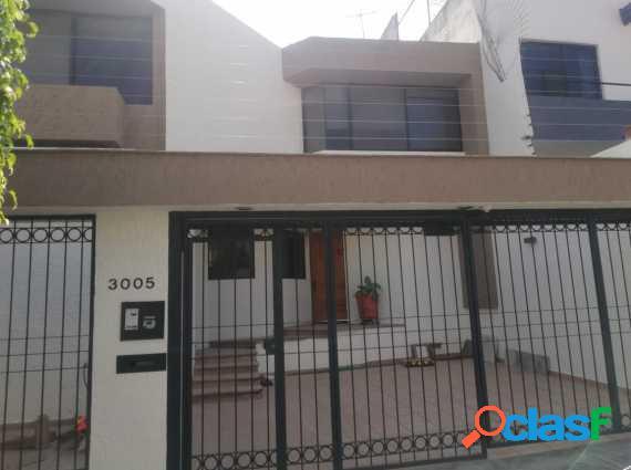 Casa excelente ubicación 290 m2, lomas providencia, gdl