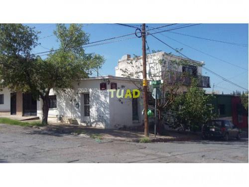 Casa centro por la calle 11