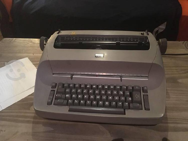 Maquina de escribir eléctrica vintage ibm gris