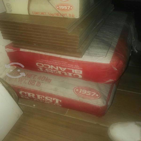 Pegazulejo crest blanco 40kg