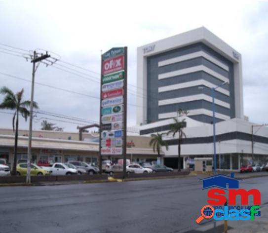 Local en renta plaza express las palmas 12
