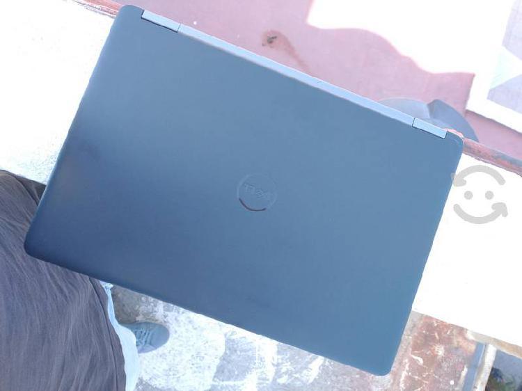 Laptop dell i5 sexta gen ssd y docking