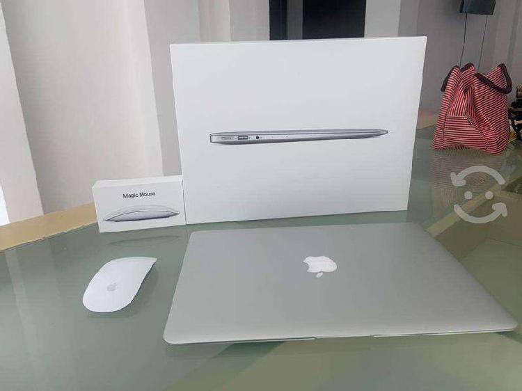 "Macbook air 13"" y magic mouse 2"