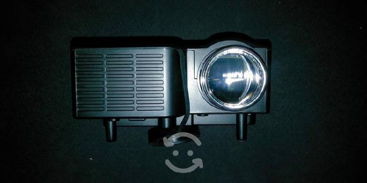 Mini proyector led sd de 80 lumens