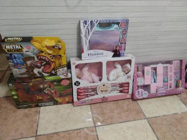 Lote de juguetes nuevos