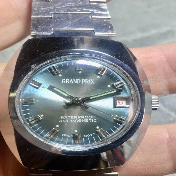 Impecable reloj marca grand prix 70s