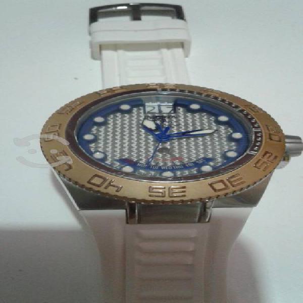 V/c reloj suizo invicta ofrezca