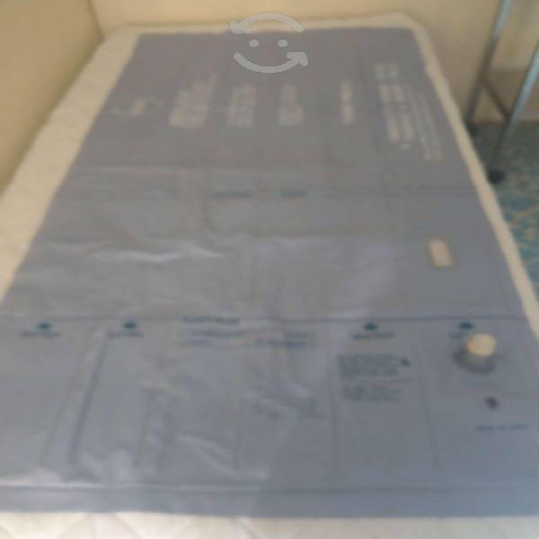 Colchón individual de agua y aire color azul