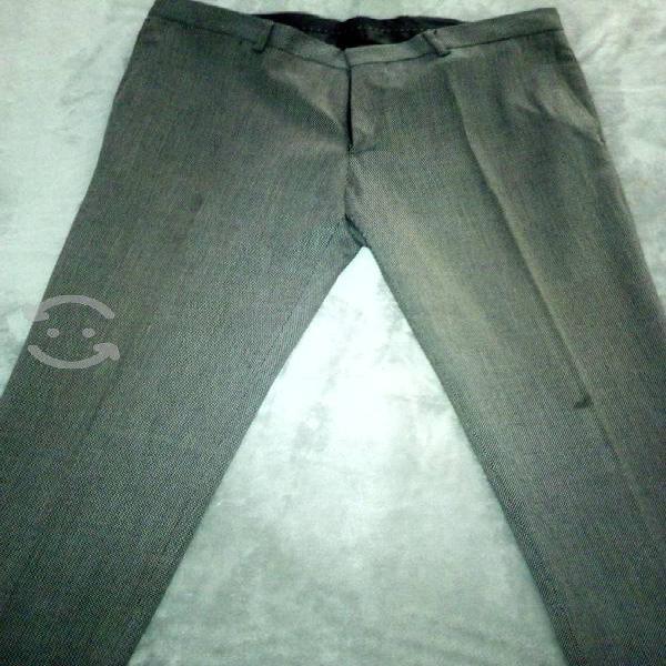 Pantalón vestir gris zara talla 31