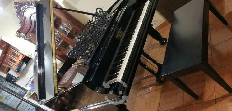 Pianos steinway & sons media cola